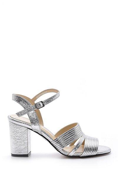 Derimod Kadın Gümüş  Metalik Topuklu Sandalet