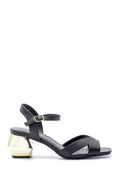 Derimod Kadın Siyah Topuk Detaylı Sandalet