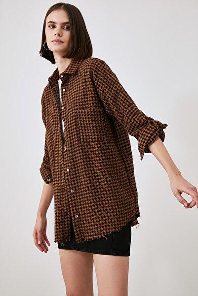 TRENDYOLMİLLA Camel Kazayağı Gömlek TWOAW20GO0159