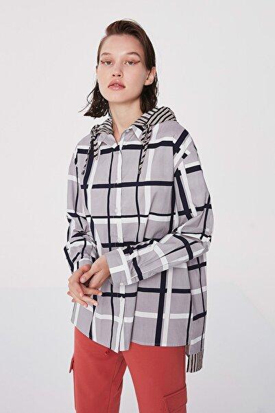 Twist Kadın Gri Kumaş mixli kapüşonlu gömlek TW6200025077