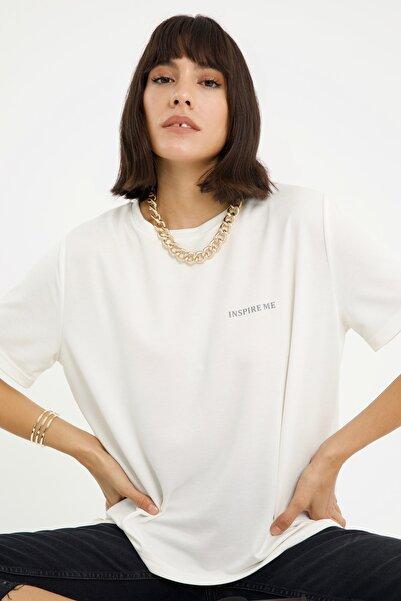 LAMODEMAPASS Kadın Beyaz Inspire Me Baskılı Kısa Kollu Basic T-shirt