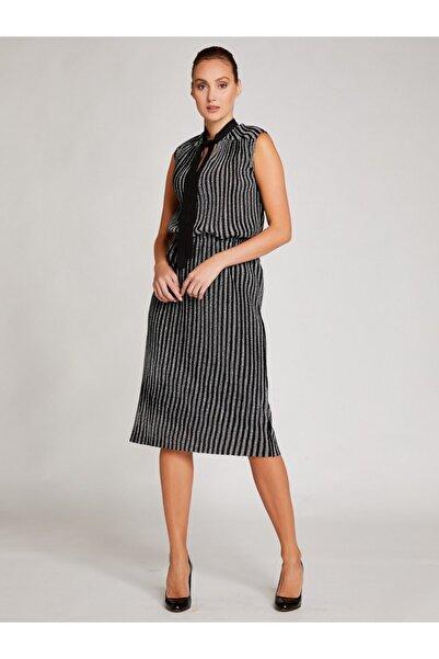 Vekem Kadın Siyah Gümüş Yakası Bağlamalı Kolsuz Parıltılı Elbise 8209-0193