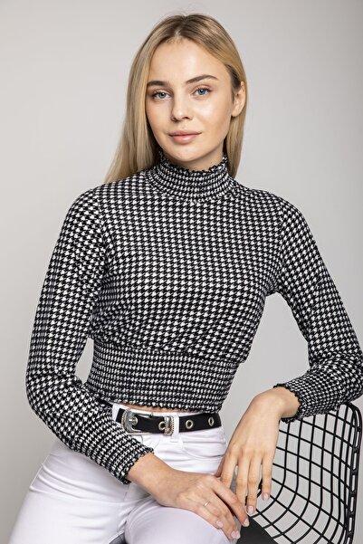 MD trend Kadın Siyah Dik Yaka Kazayağı Desenli Crop Bluz