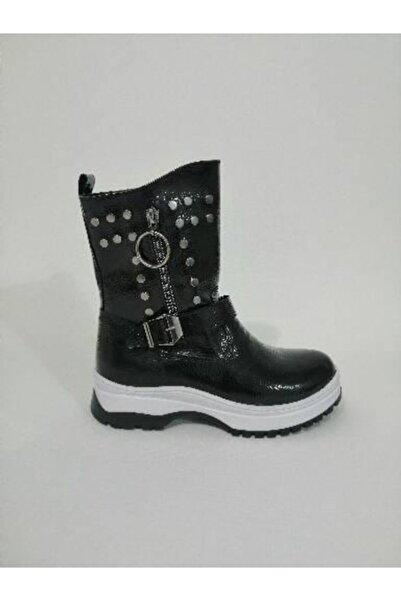 Sanbe Kadın Siyah Rugan Çizme