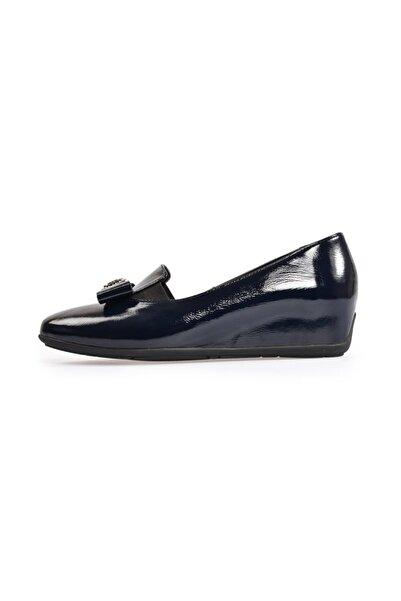 Flower Kadın Lacivert Fiyonk Detaylı Düz Ayakkabı