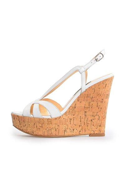 Flower Kadın Beyaz Deri Bant Detaylı Dolgu Topuklu Ayakkabı