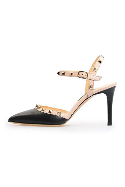 Flower Kadın Siyah Deri Pimli Sandalet