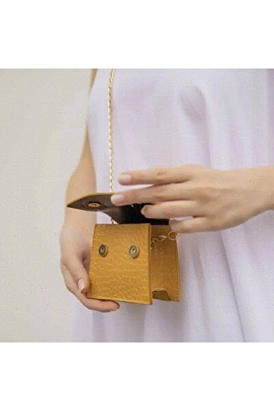 Menzi Collection Kadın Sarı Mini Zincirli Kemerli Çanta