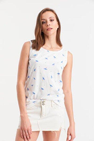 Kadın Beyaz Kuş Desenli Kolsuz Bluz