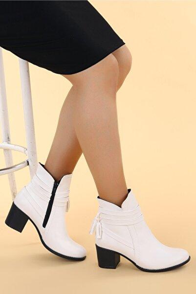 Ayakland Kadın Beyaz Bot 6 cm  8422-832