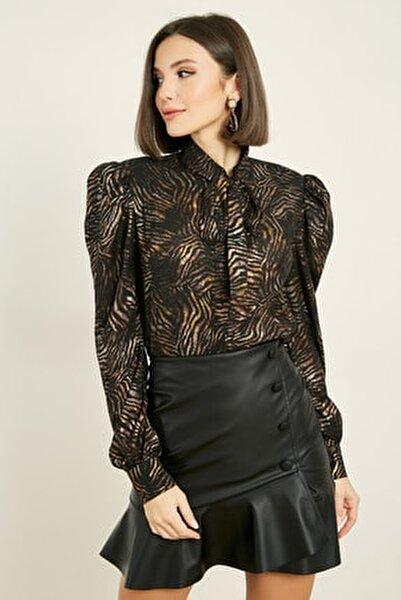 Kadın Zebra Siyah Fularlı Zebra Desen Gömlek 20KGO139K410
