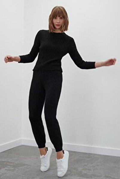 Kadın Siyah Beli ve Paçası Lastikli Triko Pantolon