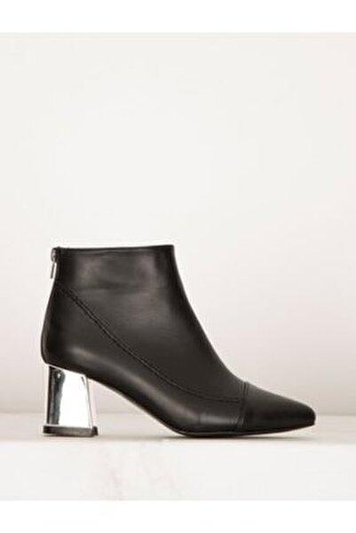 Kadın Siyah Cilt Gümüş Topuklu Bot