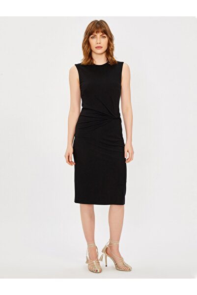 Vekem Kadın Siyah Sıfır Yaka Kolsuz Drape Detaylı Elbise