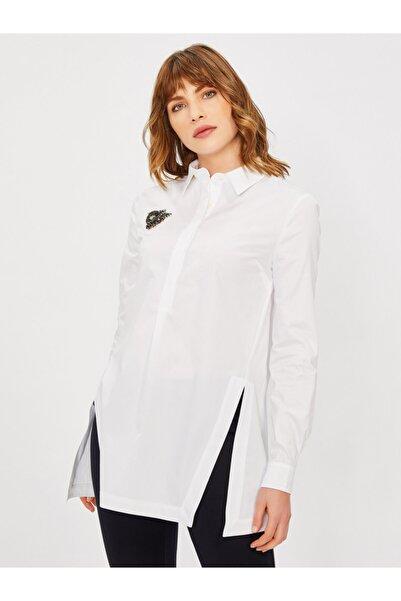 Vekem Kadın Beyaz Klasik Kesim Broşlu %100 Pamuk Gömlek