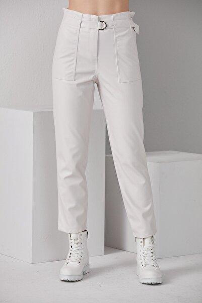 BEBE PLUS Kadın Kırık Beyaz Kemerli Deri Pantolon