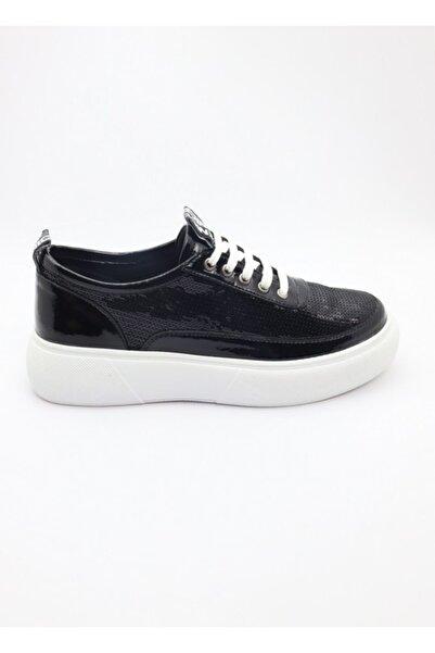 MT Kadın Siyah Ayakkabı