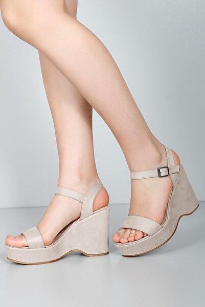 G.Ö.N Kadın Bej Sandalet 41000