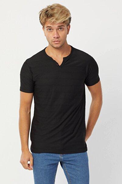 Karpefingo Erkek Y Yaka Siyah T-shirt