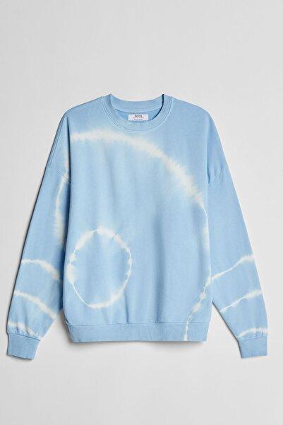 Bershka Kadın Mavi Batik Desenli Sweatshirt