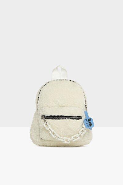 Bagmori Kadın Beyaz Plastik Zincir Detaylı Tüylü Sırt Çantası M000005317