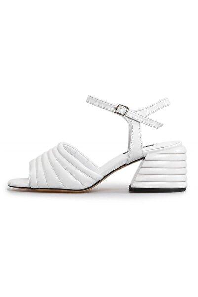 Flower Kadın Beyaz Ökçe Detaylı Sandalet