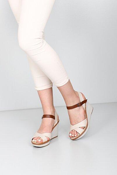 G.Ö.N Kadın Bej Sandalet 37701