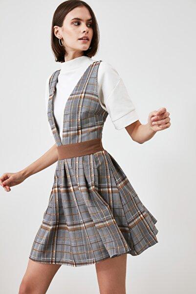 TRENDYOLMİLLA Çok Renkli Jile Elbise TWOAW21EL1768