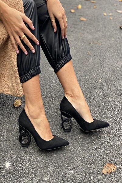 İnan Ayakkabı Kadın Siyah Süet Sivri Burun Oval Halka Dekorlu Topuklu Ayakkabı