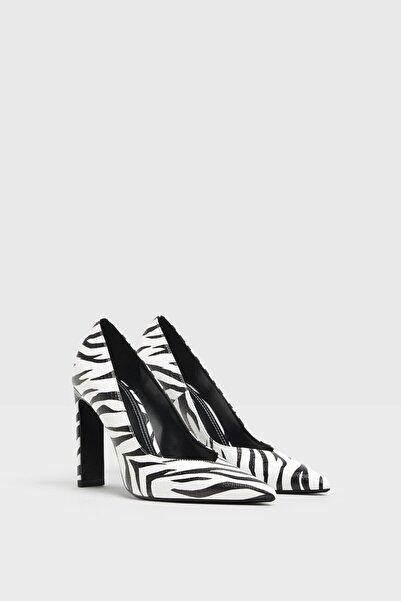 Bershka Zebra Desenli Topuklu Ayakkabı