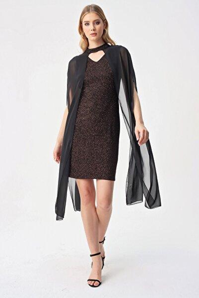By Saygı Kadın Bronz Renk Askılı Simli Şifon Pelerinli Abiye Elbise