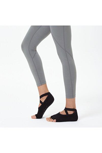 Nui Yoga Siyah Çapraz Kayışlı Yoga & Pilates Çorabı