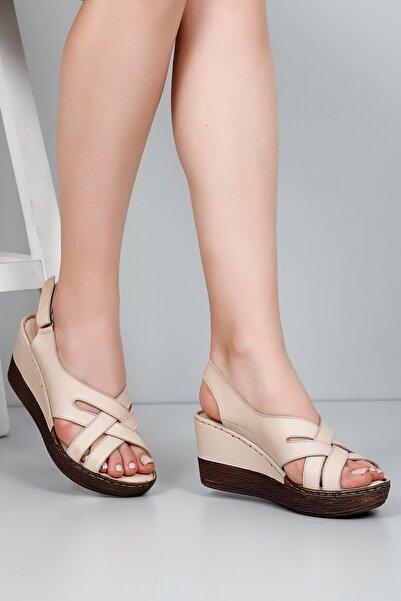 G.Ö.N Kadın Bej Hakiki Deri Sandalet 45157