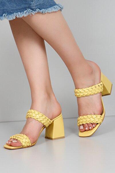 G.Ö.N Kadın Sarı Terlik 30810