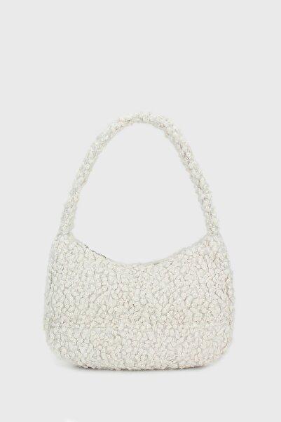 Housebags Kadın Beyaz Suni Kürklü Baguette Çanta 197