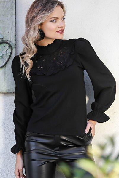 Chiccy Kadın Siyah Roba Ve Sırt Fisto Detaylı Kolları Volanlı Bluz M10010200BL95734
