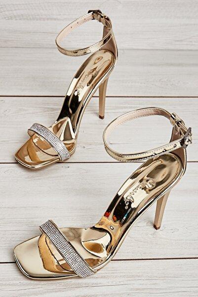 Bambi Dore Kadın Klasik Topuklu Ayakkabı L05274724