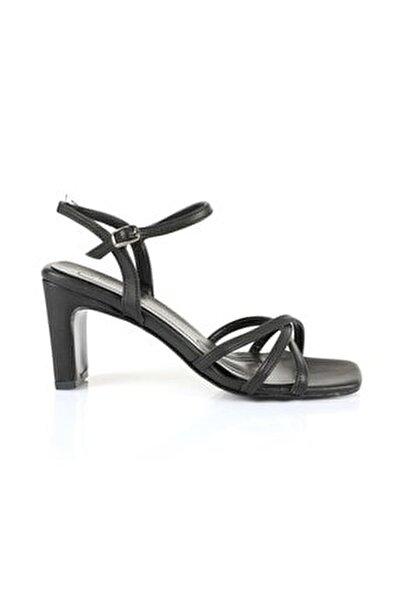 Kadın Siyah Topuklu Sandalet