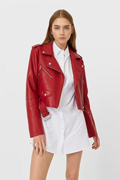 Stradivarius Kadın Kırmızı Kemerli Suni Deri Basic Ceket