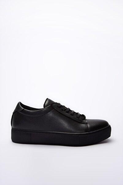 Yaya  by Hotiç Siyah Kadın Sneaker 01AYY192290A100