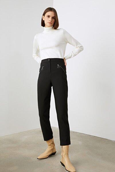 TRENDYOLMİLLA Siyah Fermuarlı Pantolon TWOAW21PL0669