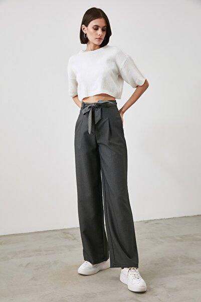 TRENDYOLMİLLA Indigo Bağlama Detaylı Pantolon TWOAW21PL0869