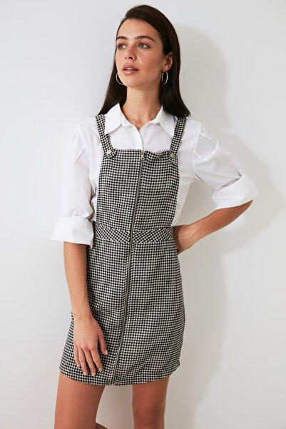 TRENDYOLMİLLA Siyah Fermuar Detaylı Jile Elbise TWOAW21EL2026