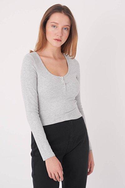 Addax Kadın Gri Melanj Yakası Çıtçıtlı Bluz B1039 - W3 ADX-0000022787