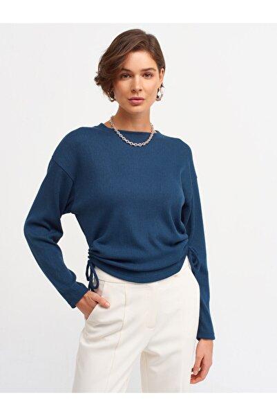 Dilvin Kadın Petrol Mavi Büzgülü T-shirt 3615