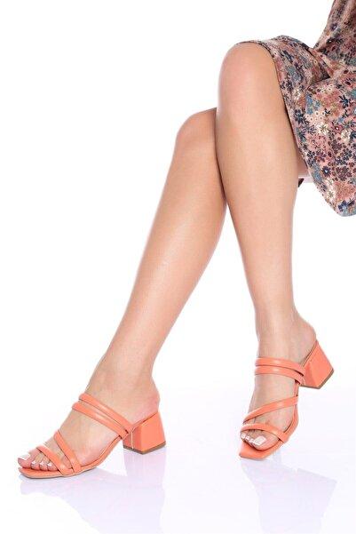 Modagon Kadın Turuncu Cilt Topuklu Ayakkabı