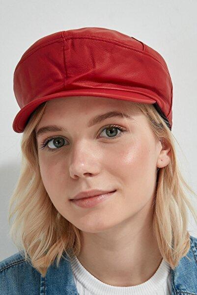 Y-London Kadın Kırmızı Deri Görünümlü Kasket 13507