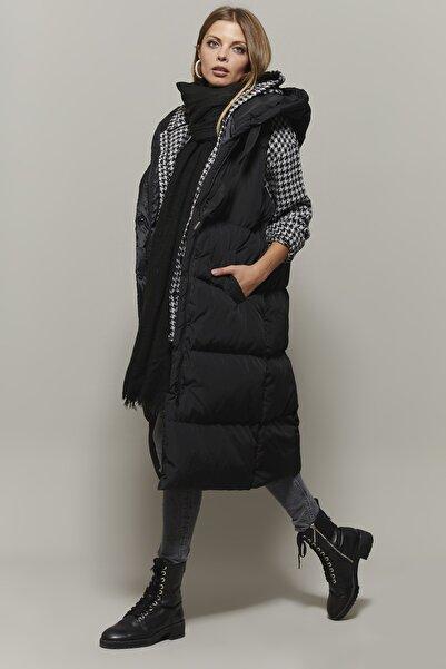 Cool & Sexy Kadın Siyah Kolsuz Uzun Şişme Yelek DAF05