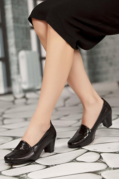 Deripabuc - Anatomik Kadın Siyah Hakiki Deri Topuklu Ayakkabı SHN-0170