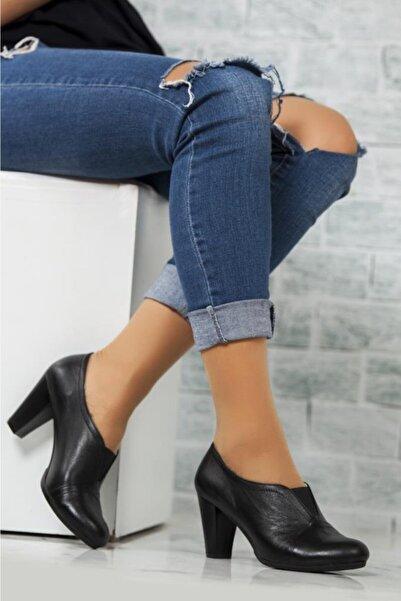Deripabuc Hakiki Deri Siyah Kadın Deri Topuklu Klasik Ayakkabı TRC-1072
